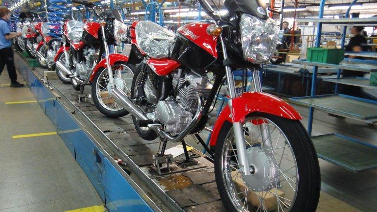 Bajan los impuestos para autos y motos 0012745020