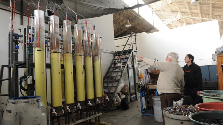Ya funciona la primera planta de reciclado de pilas de la Argentina