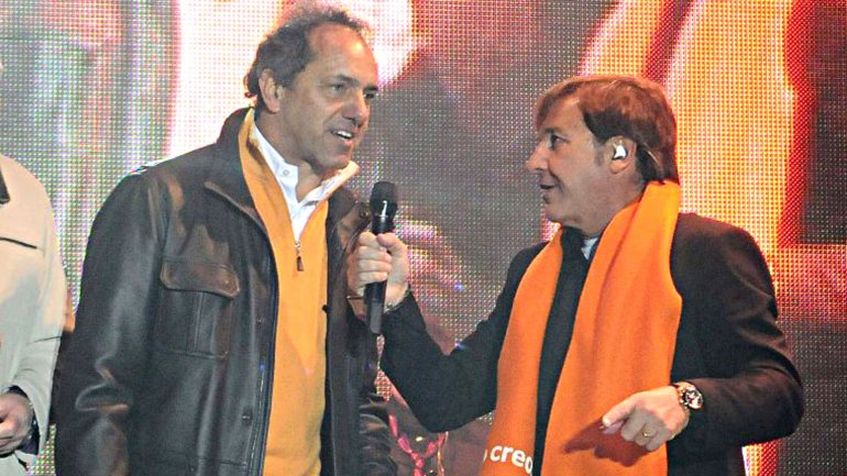 Daniel Scioli tiene su himno de la victoria, escrito por Montaner