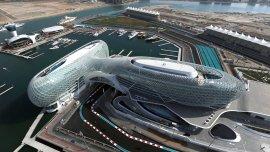 Yas Marina es un circuito de carreras que se construyó en la  Isla Yas,  de Emiratos Árabes, para celebrar el  Gran Premio de Abu Dhabi