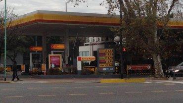 Juan José Aranguren justificó que internamente se pague por el petróleo el doble que por el importado