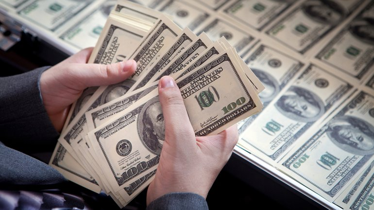 El dólar Blue supera la barrera de los , Una Vergüenza !