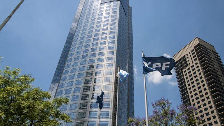 El Gobierno buscará separar las funciones del presidente de YPF de las del CEO.