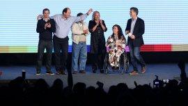 Sanz se mostró con Macri la misma noche de la derrota
