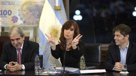Cristina Kirchner junto a Axel Kicillof y Aníbal Fernández durante un acto en la Casa Rosada.