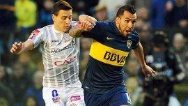 Lejos de las críticas, Tevez volvió a festejar un gol este domingo