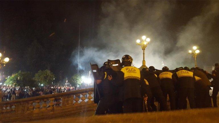 Violenta represión en Tucumán por manifestación