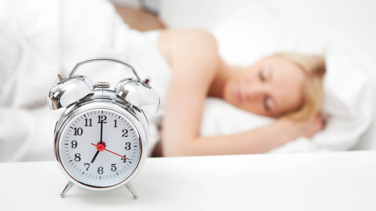 ¿Cuánto influye dormir poco en la alimentación?