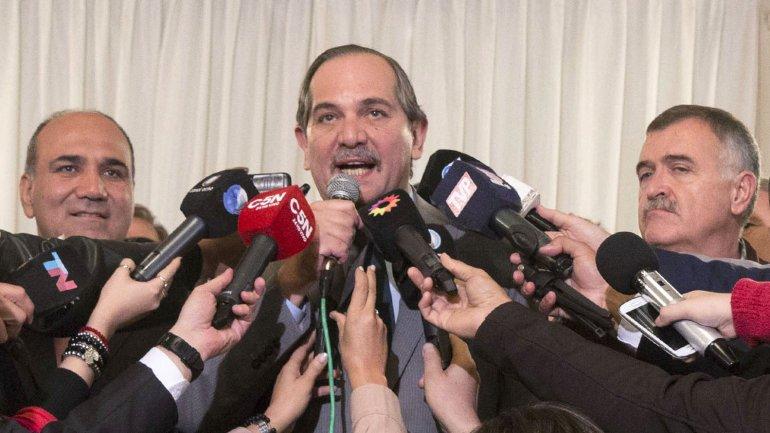 El gobernador de Tucumán José Alperovich dice que quiere que se abran todas las urnas
