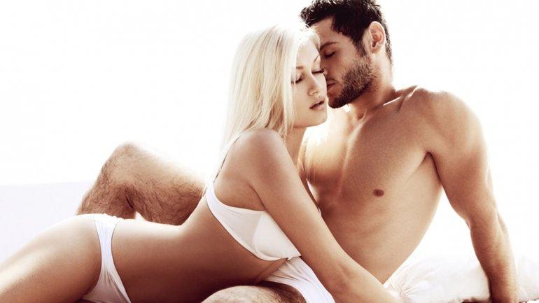 Imagen de personas que tienen sexo oral