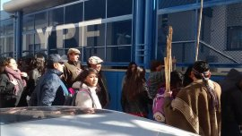 Mapuches ingresaron a las oficinas de YPF esta mañana