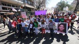 Multitudinario reclamo en La Plata por la aparición de Rut Zambrana (19)