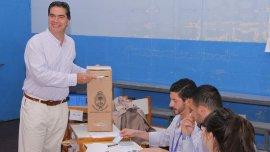 Jorge Capitanich votando en Chaco