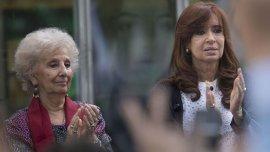 Estela de Carlotto, junto a Cristina Kirchner