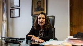 Cristina Caamaño no se opondrá a que, tras el DNU, la desplacen de su cargo.