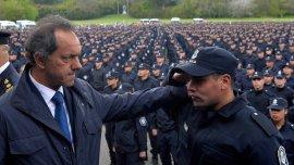 Daniel Scioli participó del acto de egreso de 4 mil policías