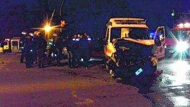 El bebé era trasladado en ambulancia y el choque se produjo en Plottier.