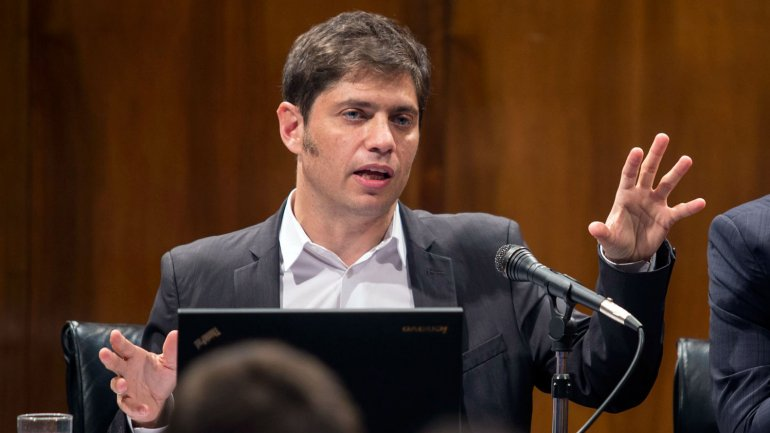 Axel Kicillof asumió con el compromiso de llegar al 10 de diciembre sin tensiones cambiarias