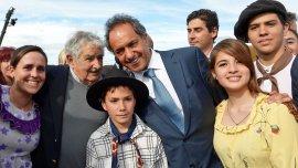 Daniel Scioli junto José Pepe Mujica.