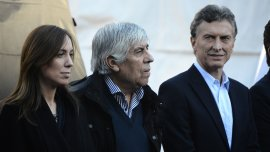 La gobernadora electa María Eugenia Vidal, junto al titular de la CGT Hugo Moyano y el jefe de gobierno porteño Mauricio Macri