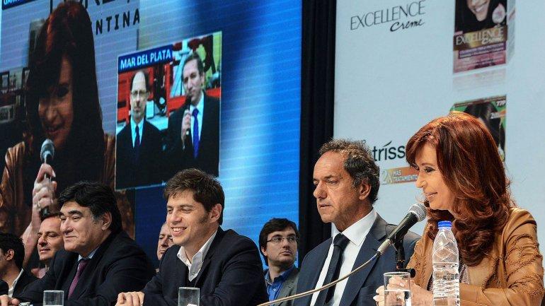 Carlos Zannini, Axel Kicillof, Daniel Scioli y Cristina Kirchner en el acto de LOreal en Garín