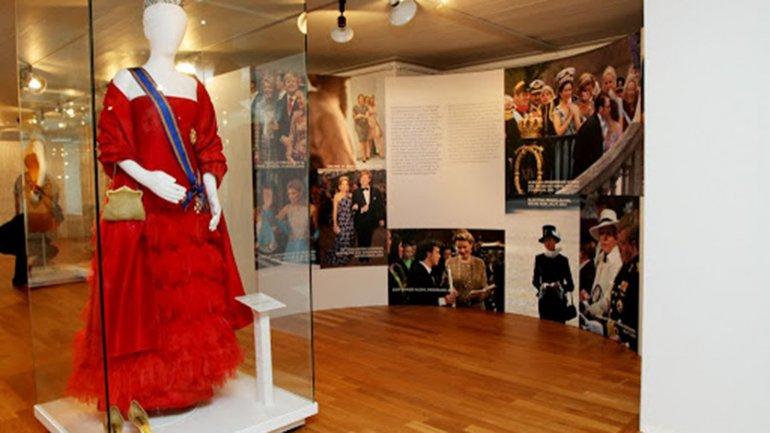 El vestido que Máxima usó en el Palacio Real y del que habló el mundo. Lo usó en el 2006 y en el 2014