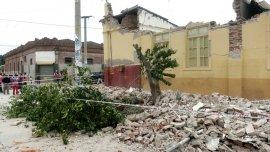 Decenas de antiguas propiedades se derrumbaron con el sismo.