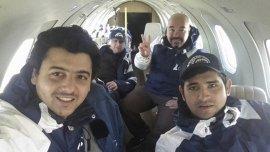 Los militantes en pleno vuelo, mientras buscaban la Sanmartiniana