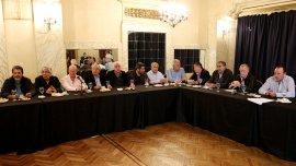 El hotel Castelar albergó una cumbre de gremialistas, de la que participaron Hugo Moyano y Gerardo Martínez, entre otros.