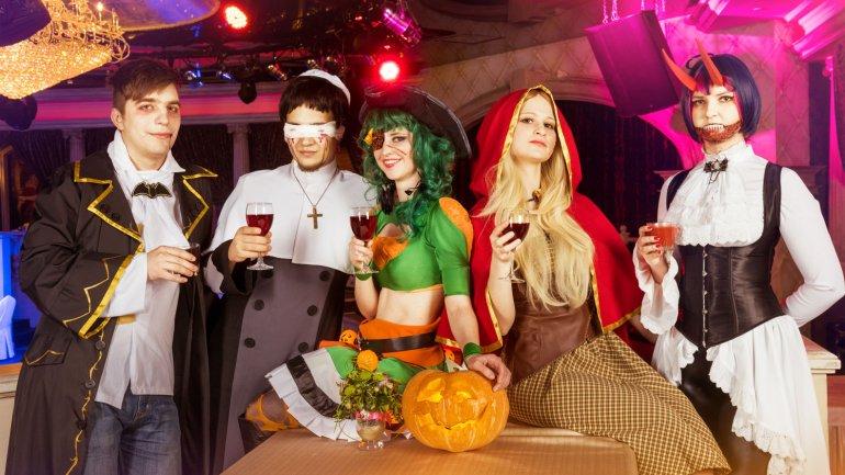 Cien años de disfraces de Halloween en solo 3 minutos