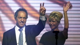 Karina Rabolini junto a Daniel Scioli