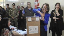 La oposición desconoce la victoria de Alicia Kirchner como gobernadora del pasado 25 de octubre.