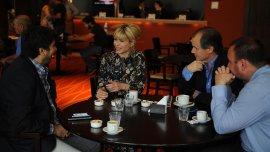 Karina Rabolini junto a Gustavo Bordet, Adrián Fuertes yFernando Quinodoz