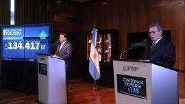 Ricardo Echegaray y Juan Carlos Pezoa justificaron la pérdida de vitalidad de la suba de los recursos tributarios por la caída de lo ingresado por retenciones