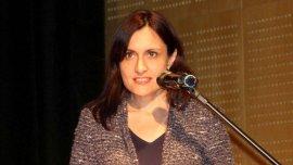 María Carolina Pérez Colman, flamante embajadora en Grecia y diplomática militante, tendrá a su marido a solo 2 mil kilómetros de distancia.