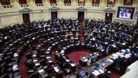 La oposición se retiró del recinto de la Cámara de Diputados tras denunciar que se incumplió con el reglamento.