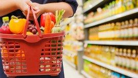Las empresas alimenticias advirtieron que se opondrán a volver a un nivel de precios anterior al del cambio de gobierno.