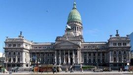 Las movilizaciones de Cambiemos y La Cámpora podrían coincidir en el Congreso el 10 de diciembre.