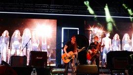 Juanse brindó su música para el desfile inspirado en Jon Bon Jovi