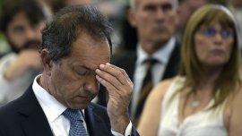 Rodeado de su familia y su equipo, el Gobernador bonaerense reconocióla derrota