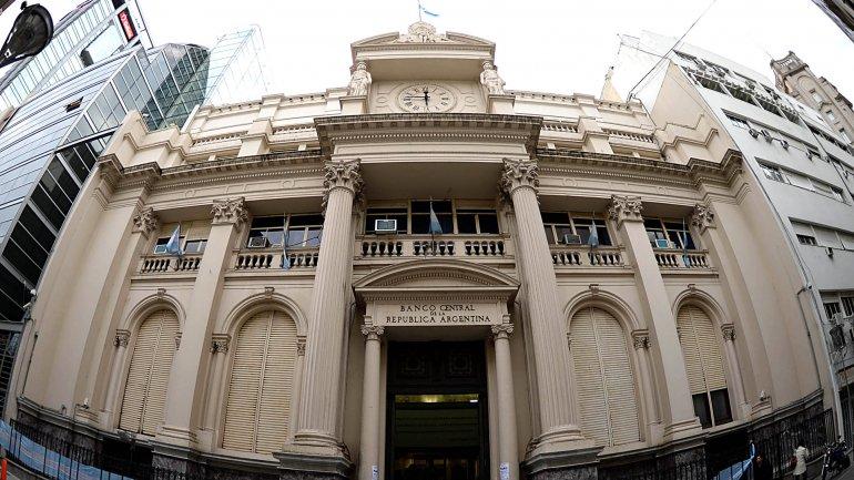 El Banco Central paga deudas y caen las reservas