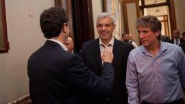 Amado Boudou y Julián Domínguez recibieron en el Congreso a Wado de Pedro para ultimar detalles de la ceremonia de traspaso.