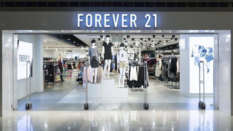 Forever 21 podría desembarcar en el Alto Palermo