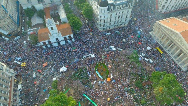 La militancia despidió a Cristina Kirchner en Plaza de Mayo
