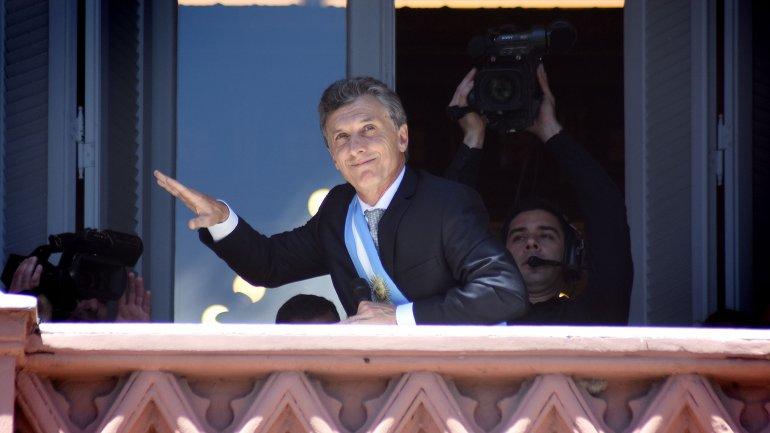 Mauricio Macri en el balcón de la Casa Rosada el día de su asunción