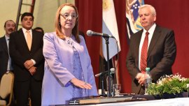 Alicia Kirchner, cuestionada por la oposición