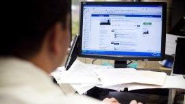 El uso de Facebook en la oficina, un problema para las empresas