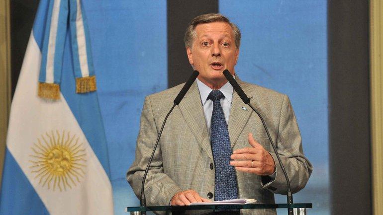 El ministro en conferencia de prensa, cuando se resolvió decretar emergencia energética