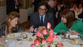 Los ministros de Justicia y Seguridad, junto a Elena Highton de Nolasco, jueza de la Corte Suprema