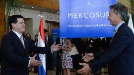 El presidente Horacio Cartes recibió a Mauricio Macri en Paraguay